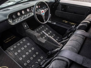 GT40 Starter Kit for Shipment to Canada - Interior with Seats & Console